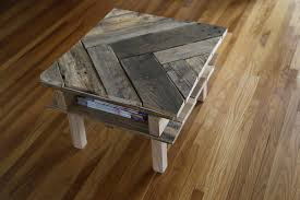 How To Build A Wood End Table by How To Make A Diy Pallet Coffee Table For Under 25