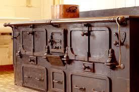 ancienne cuisine chez le pèr gras l ancienne cuisine veille au grain de coquina