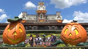 halloween decorations at magic kingdom 2014 jack o lanterns