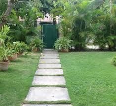 Backyard Walking Paths Walking On Sunshine 8 Diy Garden Path Ideas Home Genius