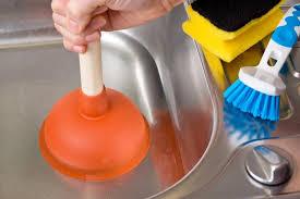 evier cuisine bouché comment déboucher un évier bouché mesdépanneurs fr