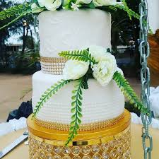 beautiful summer wedding cake swiftfoxx