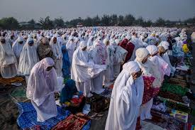 when is eid al fitr 2018 what is the islamic festival about and