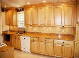 Oak Cabinets Kitchen Design Best 10 Maple Kitchen Ideas On Pinterest Maple Kitchen Cabinets