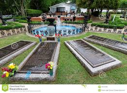 Elvis Presley Home by Elvis Presley U0027s Grave Editorial Stock Image Image 55191604