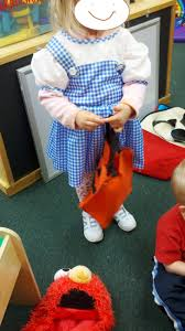simple halloween ideas for all over the classroom preschool playtime