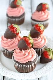Chocolate Covered Strawberries Tutorial Moist Chocolate Cupcakes Topped With A Strawberry Buttercream