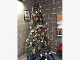 graders visit waterford to decorate tree meet santa