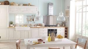 conseil peinture cuisine idée peinture cuisine ancienne rayonnage cantilever