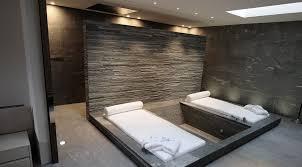 whirlpool im schlafzimmer romantisches hotelzimmer mit whirlpool rheumri