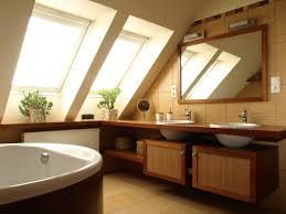 Petite Salle De Bain Sous Pente De Toit by Emejing Salle De Bains Comble Gallery Home Design Ideas