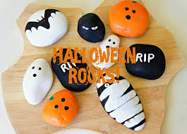 Halloween Decorations Activity Village by Best 25 Halloween Painting Ideas On Pinterest Halloween Canvas