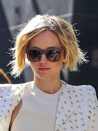 how to grow short hair into a bob jennifer lawrence s new bob transformation from pixie to bob in