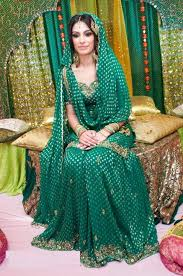 Ways To Drape A Dupatta Exclusive And Adorable Ways To Drape Dupatta For Brides