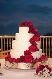 december wedding round silver u0026 red wedding cake my wedding
