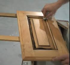 Glazed Kitchen Cabinet Doors Wiping Glaze Cabinet Door With A Rag