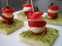 recette de canapé recette canapés tomate mozzarella au pistou