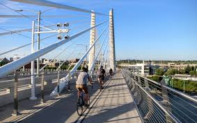 Portland Bike Maps by Portland Pedestrian Bridge Biking Waterfront Park To Tilikum Crossing