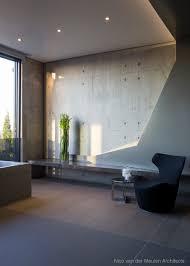le de bureau articul馥 天花板與沙發背牆利用立體摺紙的概念 將不規則的幾何線條以3d形態呈現