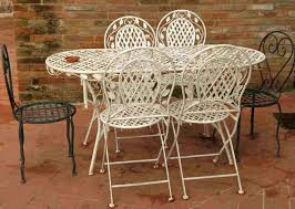 Metal Garden Chairs And Table How To Paint Metal Patio Furniture Diy Painting Tips