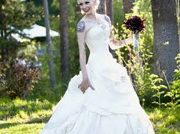average cost of wedding dress alterations how much do wedding dress alterations cost uk wedding ideas