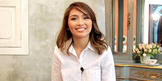 katrine bernardor hair color what s on kathryn bernardo s 2015 bucket list cosmo ph