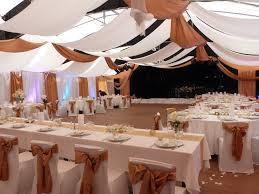 tenture plafond mariage comment décorer votre salle de mariage avec une tenture de mariage
