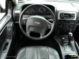 2002 Jeep Grand Cherokee Laredo 4x4 Dark Slate Gray Dashboard