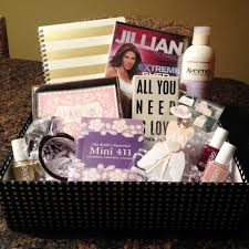 gifts for to be best 25 engagement gift baskets ideas on engagement
