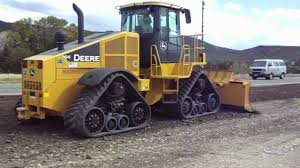john deere 764 high speed dozer working road base have never seen