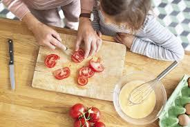 cuisiner avec des enfants enfants on gagne a partager
