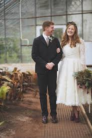 joanne fleming 50 u0027s style lace for an autumn country barn wedding
