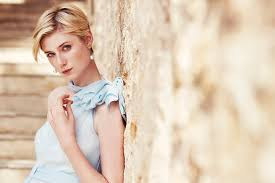 why the night manager u0027s elizabeth debicki is every costume