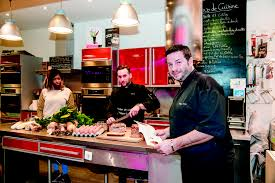 cours de cuisine halles de lyon atelier de cuisine les toques blanches lyonnaises association de