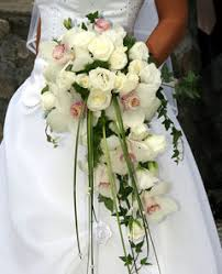 bouquet for wedding cascading wedding bouquets