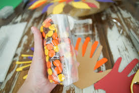 diy thanksgiving treats with handprint turkey bags darice