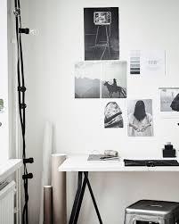 bureau de studio une déco de studio en noir et blanc organizations desks and