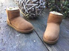 s ugg australia mini zip boots ugg australia size 11 s mini zip boot 1008580