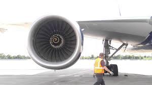 rolls royce jet engine rolls royce trent 895 start up delta 777 232er n866da youtube