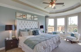 Master Bedroom Ceiling Fans by Contemporary Master Bedroom With Ceiling Fan U0026 Carpet Zillow