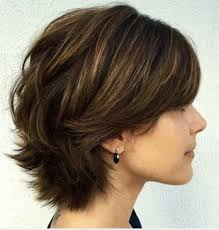 difference between a layerwd bob and a shag short layered bob with a difference hair cuts and color