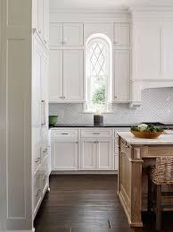 Kitchen Backsplash Photos White Cabinets by Best 20 Traditional Kitchen Backsplash Ideas On Pinterest