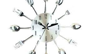 horloge cuisine pendule murale cuisine et salle de bain la maison de la pendule