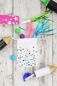 party favor bags new year s party idea diy party favor bags pink