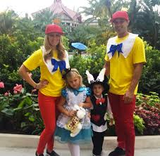 Tweedle Dee Tweedle Dum Halloween Costumes Mommy Daddy Halloween Costume Ideas Pressroomvip 8