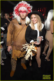 hilary duff apologizes for insensitive halloween costume photo