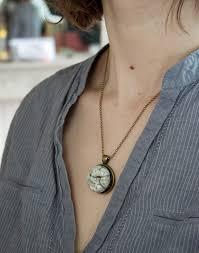 collier dos nu collier en perles d u0027agate noir dos nu ras du cou créateurs de france