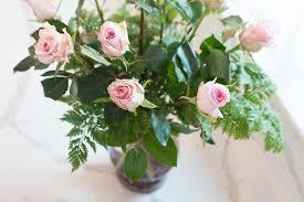 Arranging Roses In Vase How To Arrange Your Valentine U0027s Roses In A Vase Merrifield
