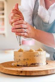 Cake Decorators The Best Cake Decorating Tools A Foodal Buying Guide