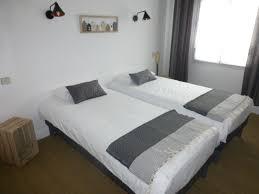 chambre 2 lits chambres d hôtel à carnac plage